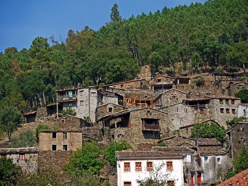 najciekawsze miejsca w Portugalii - domy z łupków