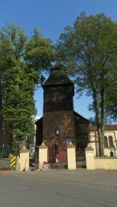 Modrzewiowy kościół w Mikołajewicach