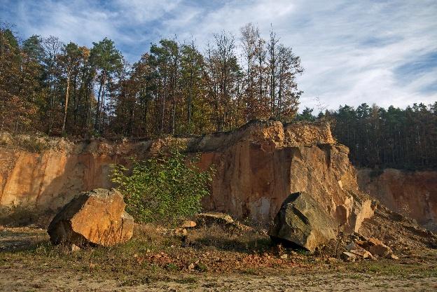 Kamieniołom na stoku góry Chełmo