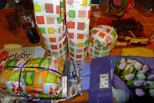prezenty pod choinkę czekają