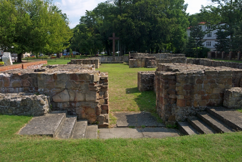 Wielun ruiny kolegiaty