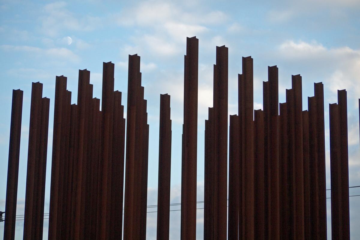 Żelazna Kurtyna - pomnik