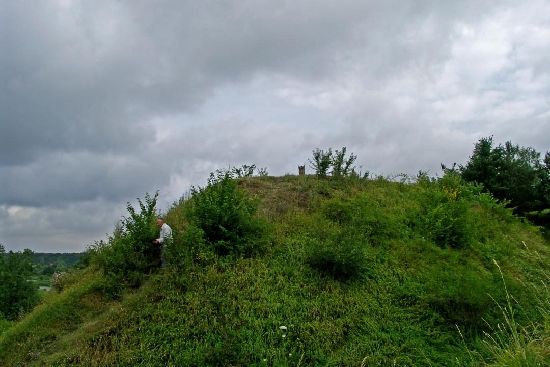 Grodzisko Konopnica-Strobin. Park Krajobrazowy Warty i Widawki