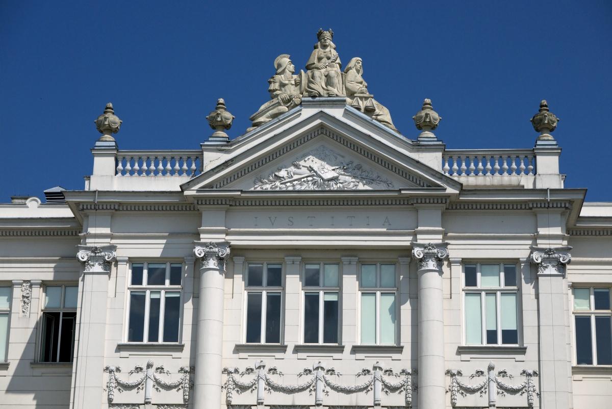 Piotrków Trybunalski - gmach sądu