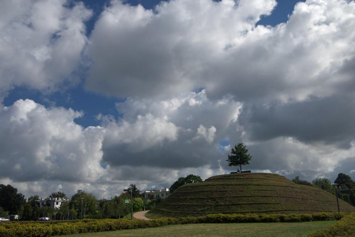 Park Ocalałych kopiec Karskiego