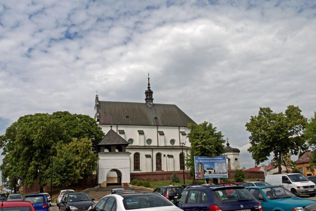 renesansowy kościół atrakcje Poddębic