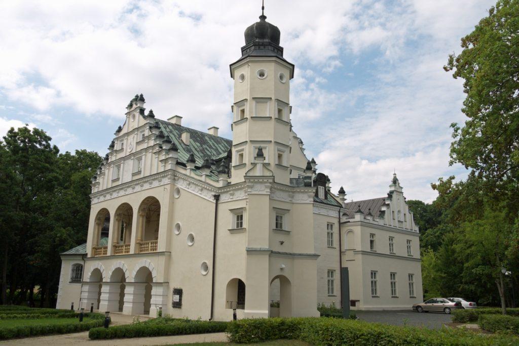 Atrakcje Poddębic. Renesansowy pałac