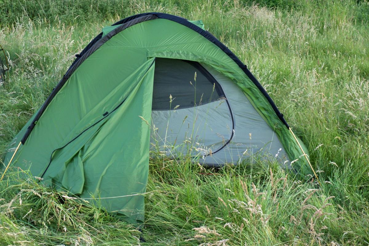 klasyczna konstrukcja namiotu kopułowego