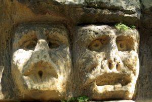 Read more about the article Skalne rzeźby i skalne domy – mniej znane czeskie atrakcje