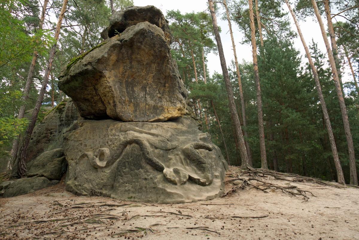 Skalne rzeźby - wąż czyli Had